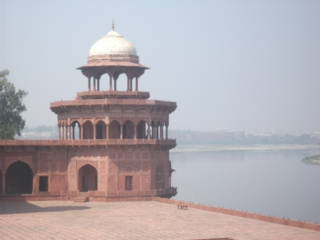 Taj Mahal - pavilion overlooking the river