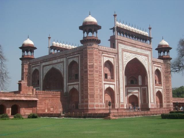 Taj Mahal - gateway into garden